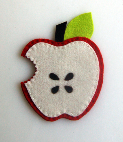 red-apple-4-front-425-1